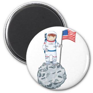 Astronauta con la etiqueta conocida imán redondo 5 cm