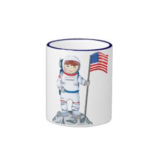 Astronauta con la etiqueta conocida taza