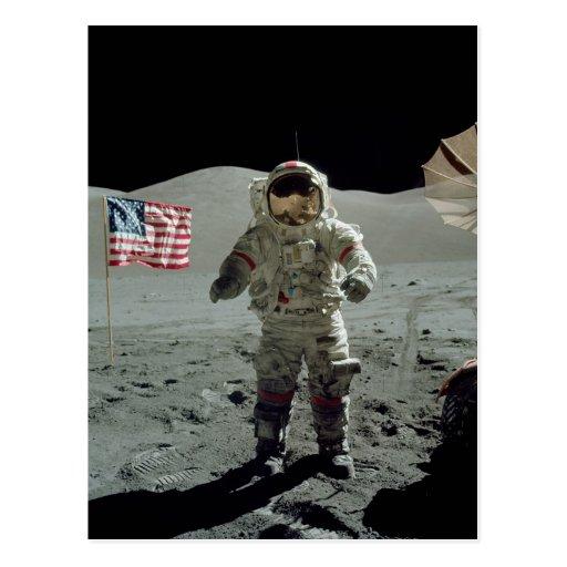 Astronauta de Apolo 17 en el valle de Littrow del  Tarjeta Postal