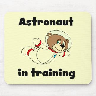 Astronauta del oso en camisetas y regalos del entr tapetes de ratón