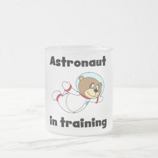 Astronauta del oso en camisetas y regalos del entr taza de café