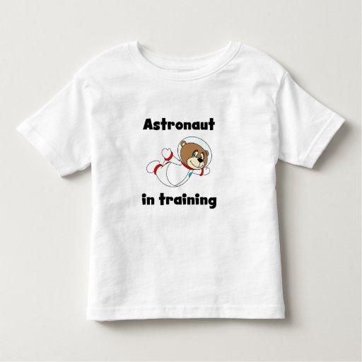 Astronauta del oso en el entrenamiento playera de bebé