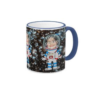Astronauta en el entrenamiento - plantilla del niñ tazas de café