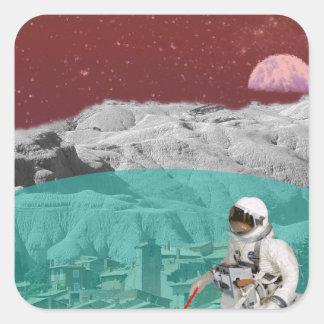 Astronauta lunar de la colonia con el perro pegatina cuadrada