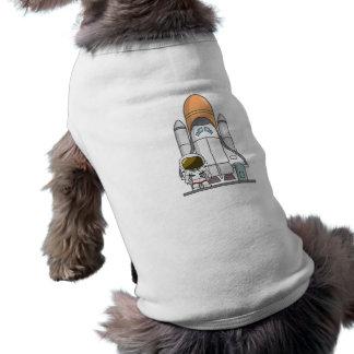 Astronauta y nave espacial playera sin mangas para perro