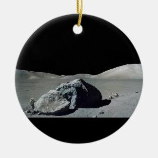 Astronauta y vehículo de Apolo 17 en la luna Ornamento De Reyes Magos