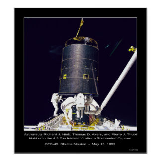 Astronautas Hieb, Akers y Thout Póster