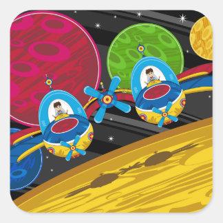 Astronautas que vuelan la nave espacial sobre el pegatina cuadrada