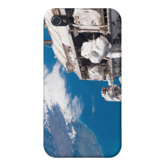 Astronauts participate in extravehicular activi 2 iPhone 4/4S case