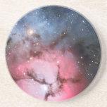 Astronomía de espacio trífida de la nebulosa posavaso para bebida