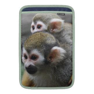 Asunto de familia del mono de ardilla funda para macbook air