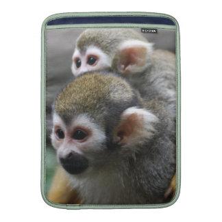 Asunto de familia del mono de ardilla fundas macbook air