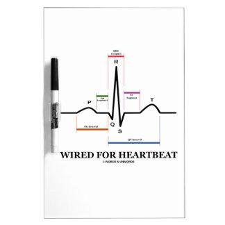 Atado con alambre para el latido del corazón pizarras