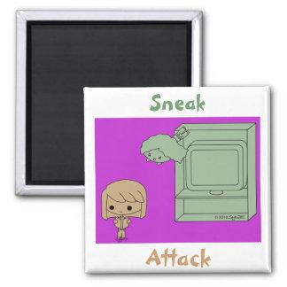 Ataque de chivato (Brown y chica verde, púrpuras) Imán Cuadrado