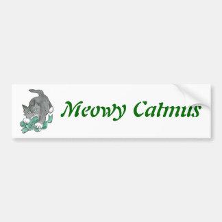 Ataque del arco por el gatito gris etiqueta de parachoque