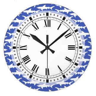Ataque del tiburón - azul y blanco reloj redondo grande