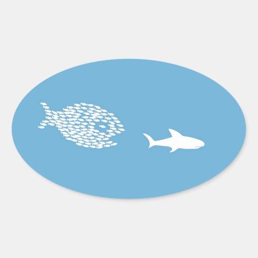 Ataque del tiburón pegatina ovalada