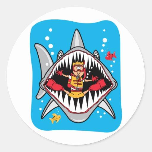¡Ataque del tiburón! Pegatina Redonda