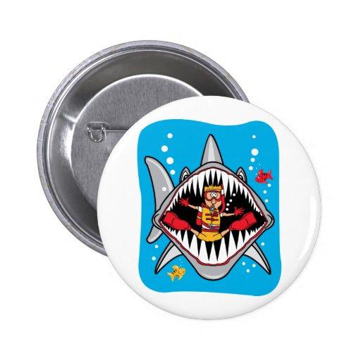 ¡Ataque del tiburón! Pin Redondo 5 Cm