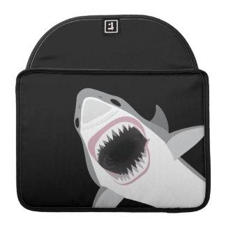 Ataque divertido del tiburón funda macbook pro
