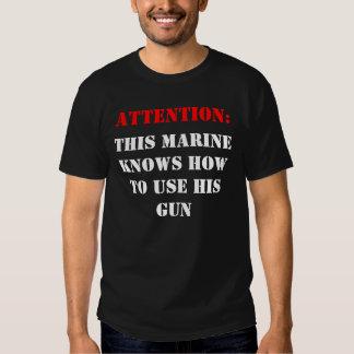 Atención: , Este infante de marina sabe el uso de Remera