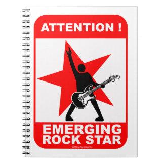 ¡Atención ¡Estrella del rock emergente