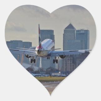 Aterrizaje en el aeropuerto de la ciudad de pegatina en forma de corazón