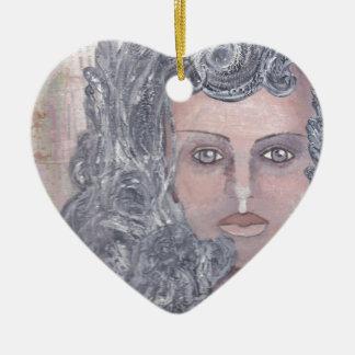 Athena el gris adorno navideño de cerámica en forma de corazón