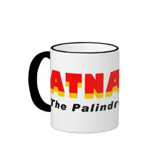 Atnalta: La ciudad del Palindrome Taza De Dos Colores