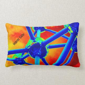 Atomium coloreó y oscuridad cojín