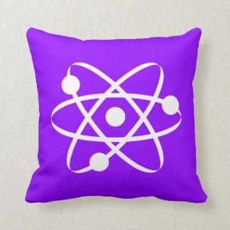 Átomo púrpura violeta cojín