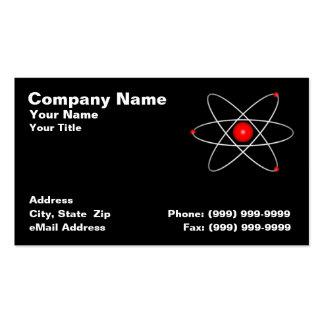 Átomo rojo contra un fondo negro tarjetas de visita