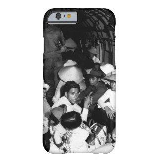 Atontado por el salvajismo de un ataque o de Viet Funda Para iPhone 6 Barely There