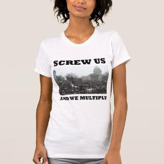 Atorníllenos y nos multiplicamos tee shirt