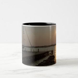 Atracado en la taza de la bahía