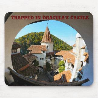 Atrapado en el castillo de Drácula Tapetes De Ratón