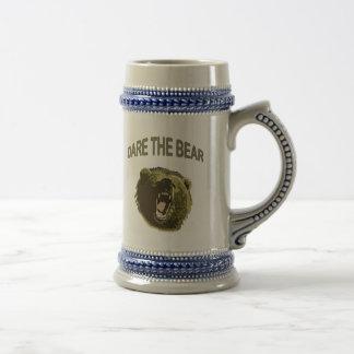 Atrévase el oso jarra de cerveza