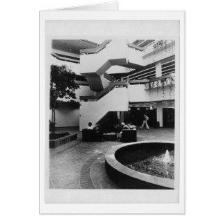 Atrio de Von der Ahe Library (1984) Felicitación
