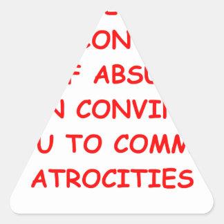 atrocidades pegatina triangular