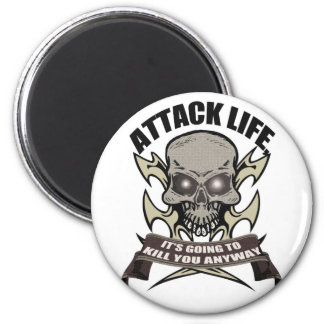 Attack t-shirt magnet