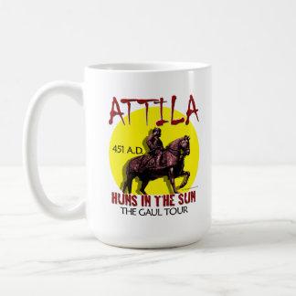 """Attila """"Huns en el Sun viaja"""" a las tazas/vidrio Taza Básica Blanca"""