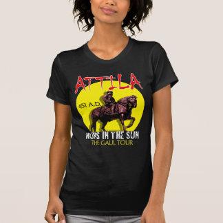 """Attila """"Huns en viaje del Sun"""" (el frente oscuro Playera"""