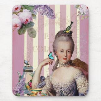 Au Trianon pequeno de Thé - color de rosa Mouse Pads