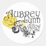 Aubrey Lynn y pegatina del rosa amarillo