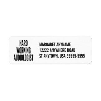Audiólogo de trabajo duro etiqueta de remitente
