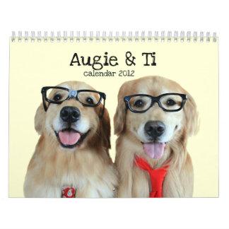 Augie y calendario 2012 del golden retriever del