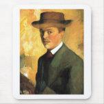 August Macke - autorretrato con aceite del gorra 1 Tapete De Raton