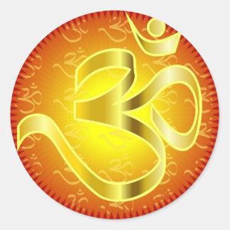 Aum o símbolo de OM en amarillos y rojos Pegatina Redonda