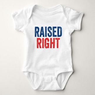 Aumentado a la derecha body para bebé