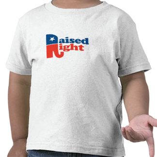 Aumentado a la derecha camiseta